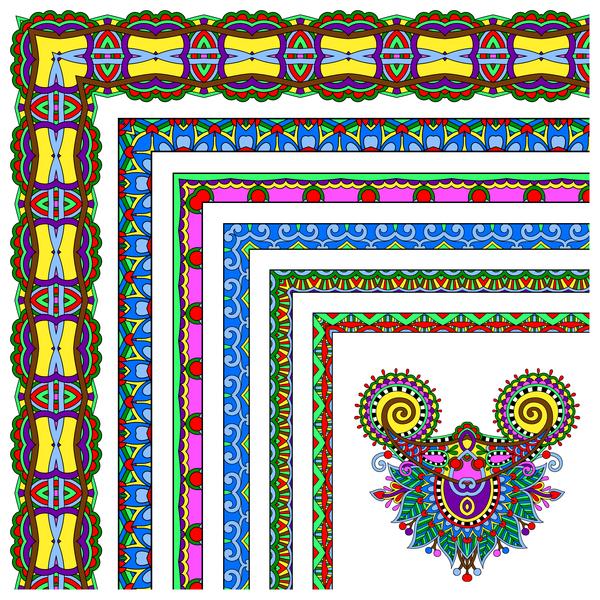 Ethnique décoratif coin à la frontière