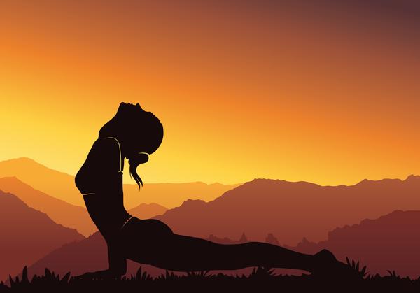yoga silhouette coucher de soleil